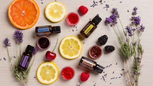 Эфирные масла мяты, лаванды, лимона и грейпфрута